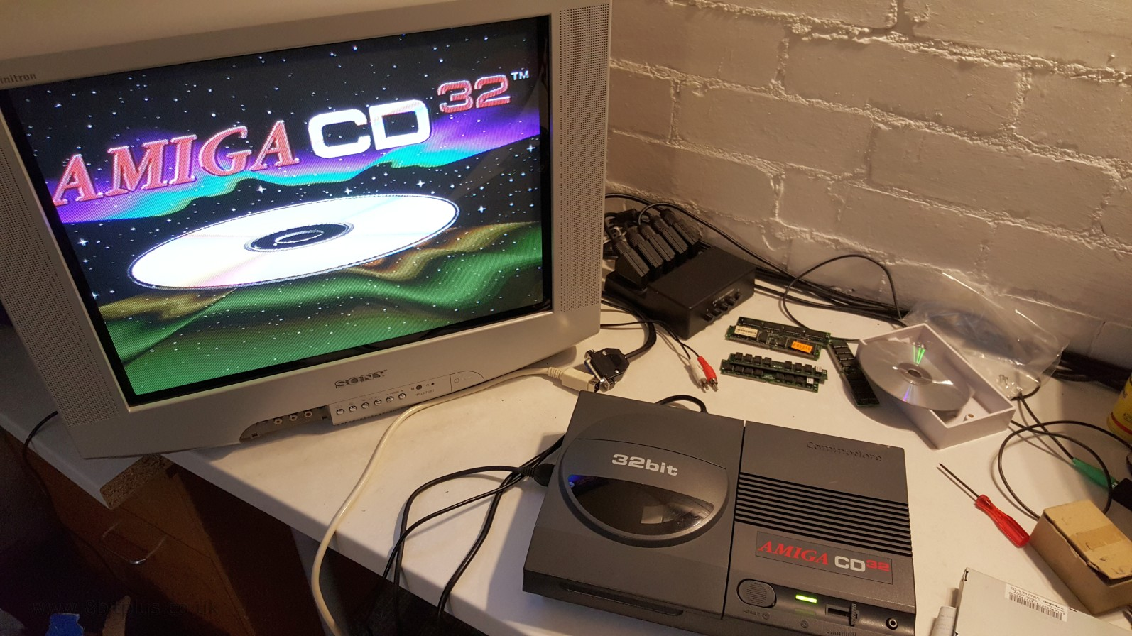 Amiga CD32 Repairs, faulty cap...