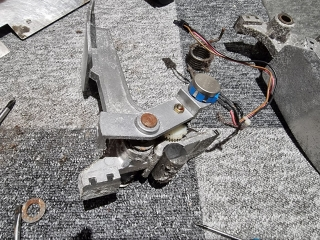 Sega-Rally-cabinet-pedals-2