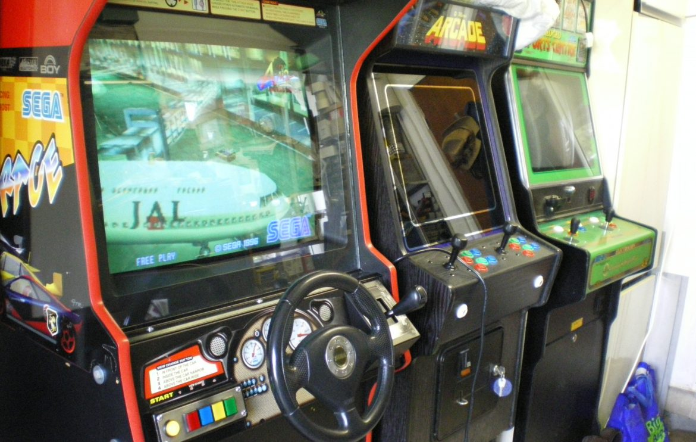 Scud Race arcade